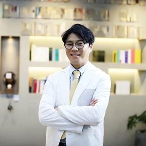 Dr.BOMスキン&レーザークリニック(ソウル江南)